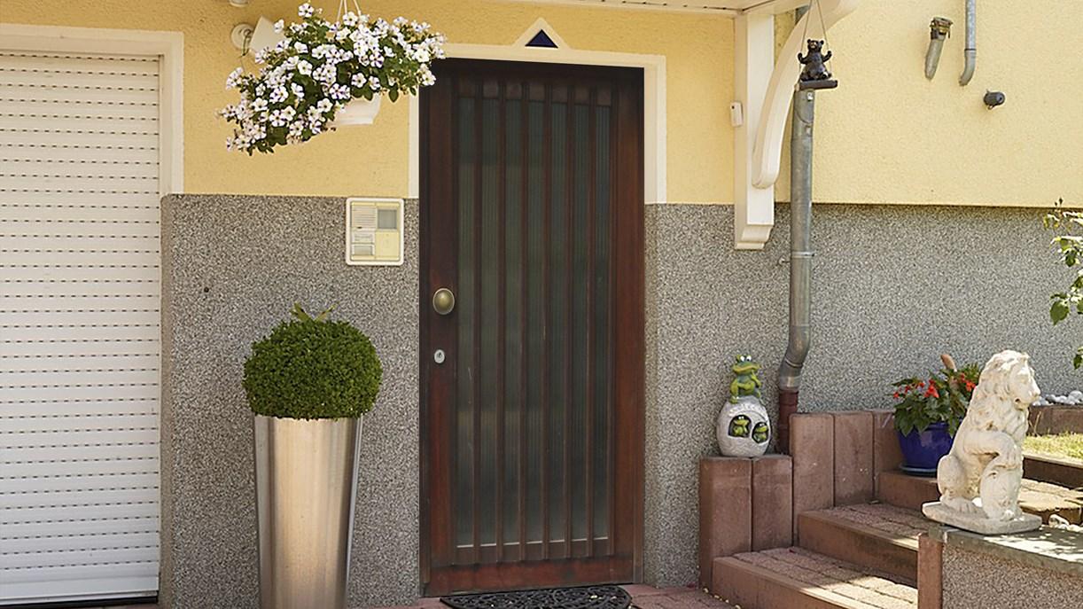 das portas verfahren f r haust ren portas renovierung. Black Bedroom Furniture Sets. Home Design Ideas